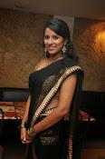 Sravya reddy sizzling saree photos-thumbnail-2