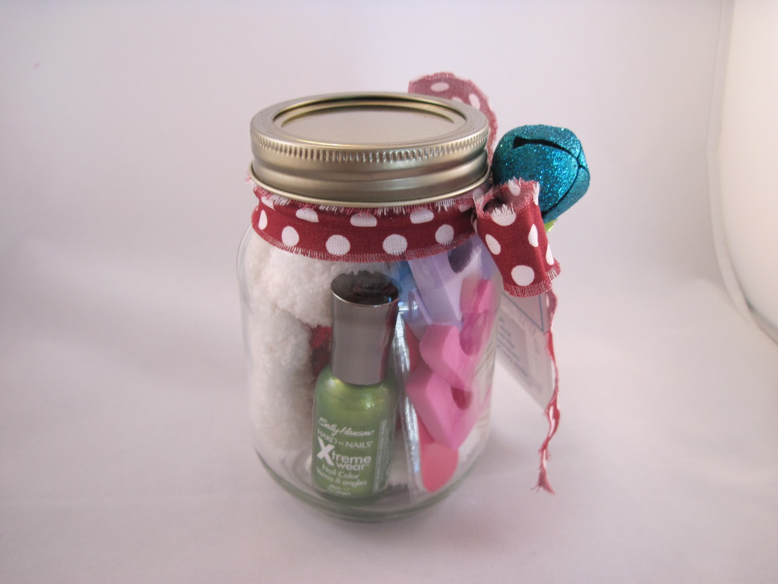 Apr 08, · Any busy baker will be sweet on The Gunny Sack's Loves to Bake Gift in a Jar. Tonia suggests filling a Mason jar with small items, like cupcake liners, cookie cutters, measuring spoons, and cake decorating supplies. Trim with festive washi tape, and deliver your homemade gift with a Phone: ()