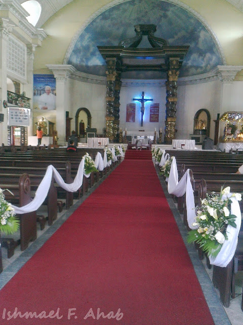 Wedding arrangement for St. Peter's Parish Church
