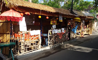 Just Juice Warung, Mini Cafe and Souvenir Shop in Ubud