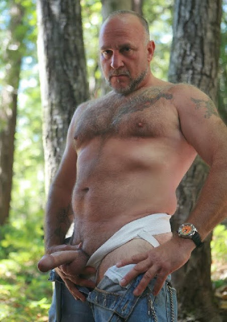 sex Mountain men having