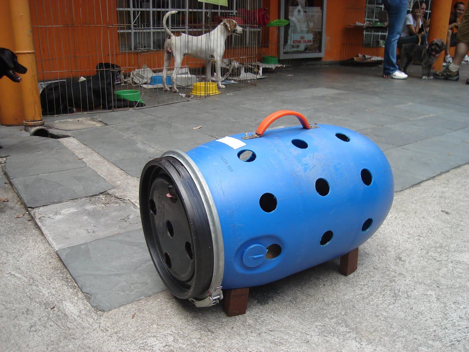 Bichos de Companhia: Faça você mesmo: caixa de transporte de cães e  #0967C2 1600x1200