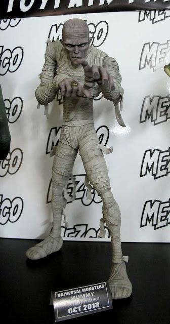 "Mezco Universal Monsters 7"" Mummy figure"