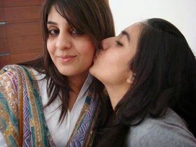 pakistani sexy punjabi girl kissing in car № 308043