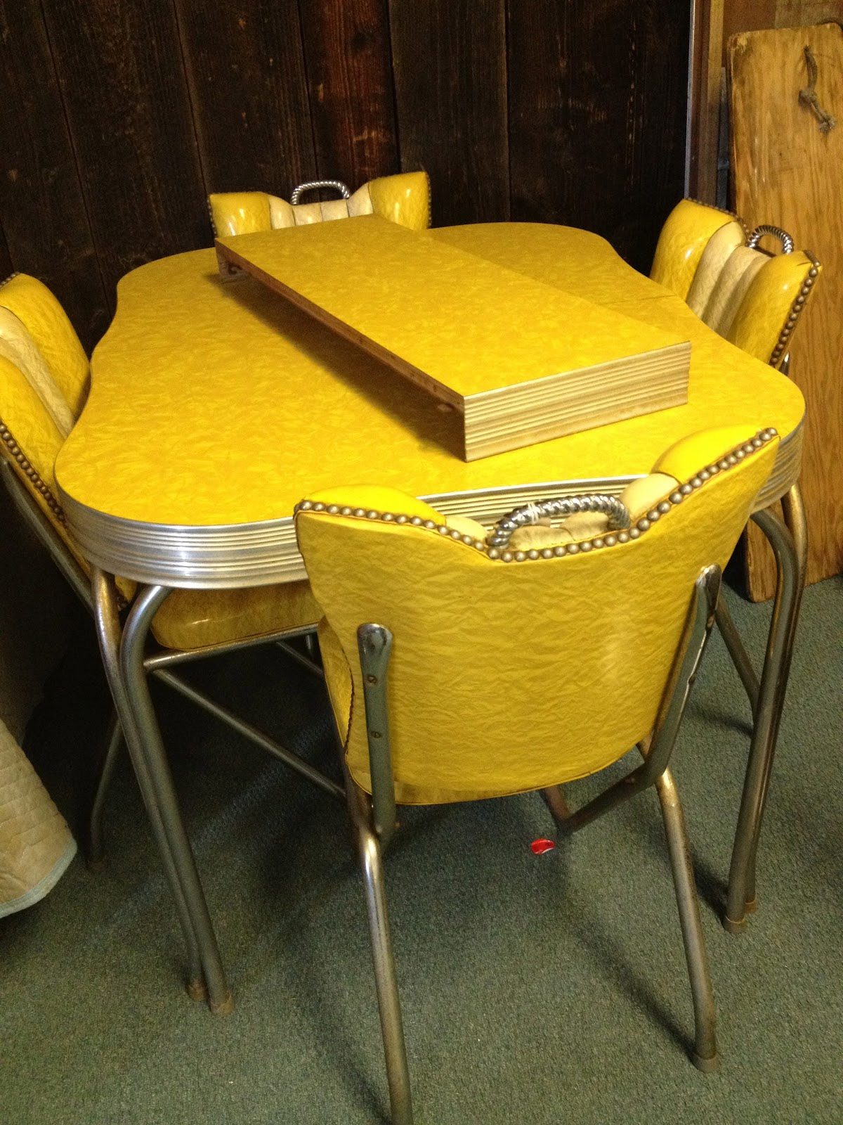 Cleaning Up Chrome Legs On Formica And Chrome Vintage Kitchen Tables And Chairs & C. Dianne Zweig - Kitsch \u0027n Stuff: Cleaning Up Chrome Legs On ...