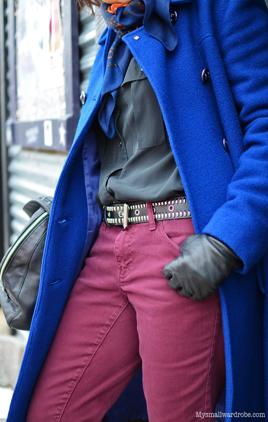 Outfit with studded belt