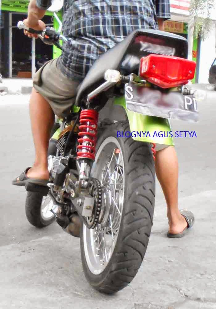 Modifikasi Yamaha RX King Hijau