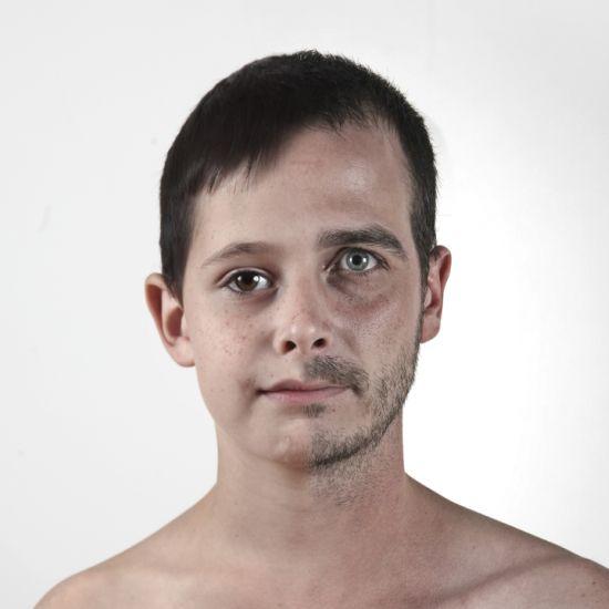Ulric Collette fotografia surreal photoshop retratos genéticos família rostos misturados autorretratos Filho/pai - Nathan (9 anos) e Ulric (32 anos)