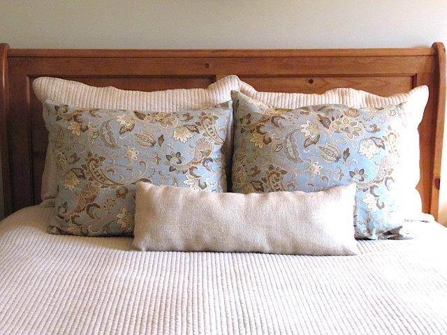 Sew Many Ways: Where to Store Extra Bed PillowsIn Plain Sight