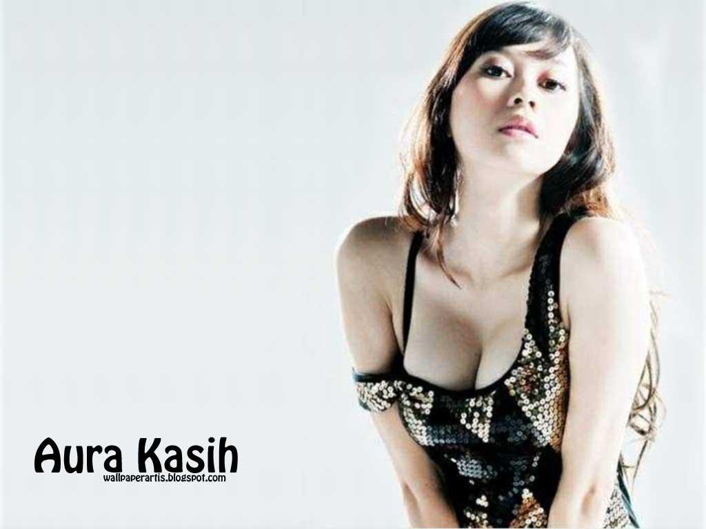 http://4.bp.blogspot.com/-0eSfky98Z1w/TcYEfqspI1I/AAAAAAAAAKo/HhpeHOVp4oE/s1600/wallpaper-aura-kasih1.jpg