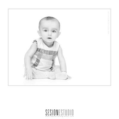 Moda infantil _ Regalo para embarazadas _ Fotografía de bebé _ Sesión de fotos para niños _ Asturias _ Madrid _ Café de Vicente _ Biberones _ Chupetes _ Ropa para niño _ Pañales _ Baberos_Dacarfotografos