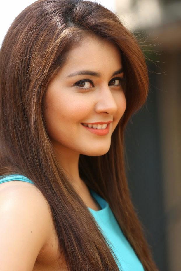 Rashi Khanna Sexy Photos (2)