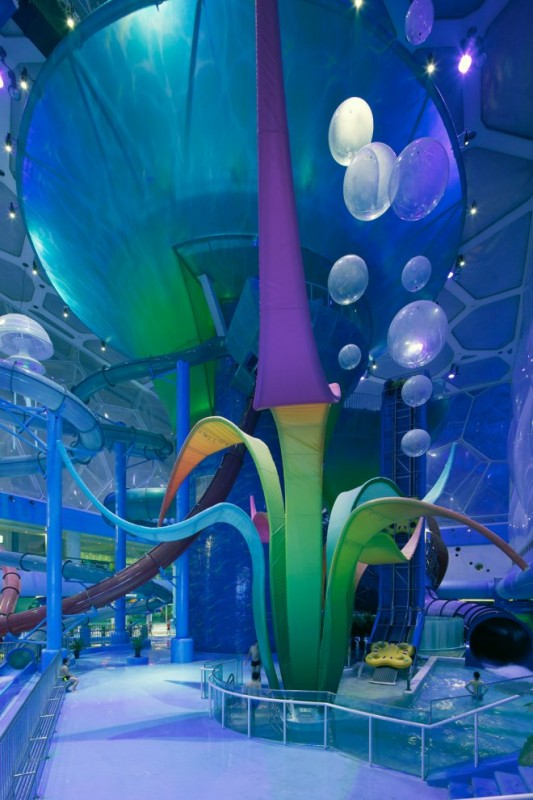 Photo of decoration in the main hall of waterpark
