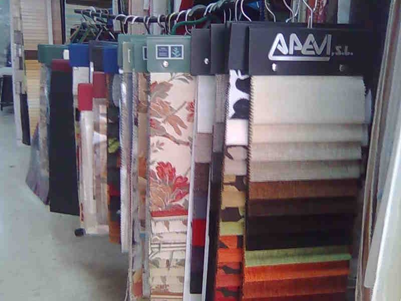 Esqueletajes y tapicer as mayo 2012 for Catalogo de telas para tapizar muebles