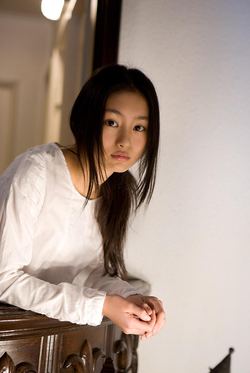Beautifull Photos: Shiori Kutsuna - 156.8KB