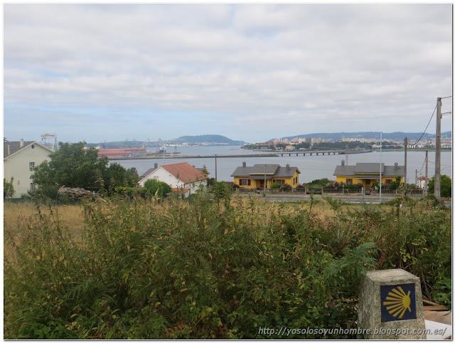Vista de Ferrol, la ría y el puente que no cruzamos