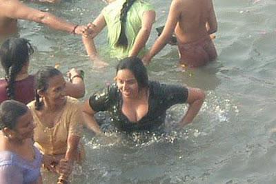 Hot Mallu Girls Bathing Photos Hot Mallu Aunties