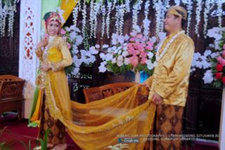 Foto Wedding SUMIRAH & IRMANTO - 22 Juli 2015   Tata Rias, Busana & Dekorasi oleh : Utami Irawan Rias Pengantin Purwokerto   Foto oleh Klikmg Fotografer Purwokerto