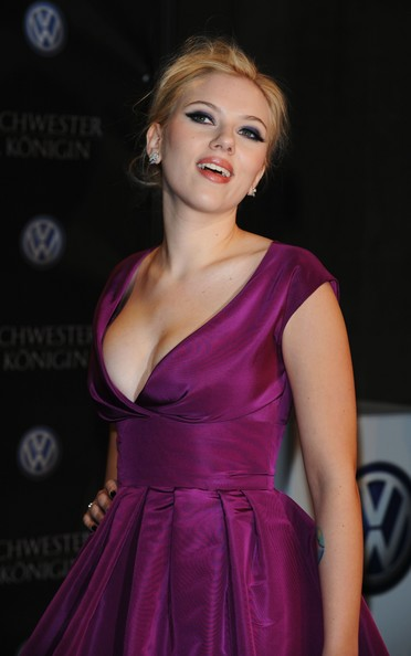 scarlett johansson height