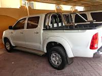 تويوتا هايلوكس 2008 للبيع فى ابو ظبى ابيض