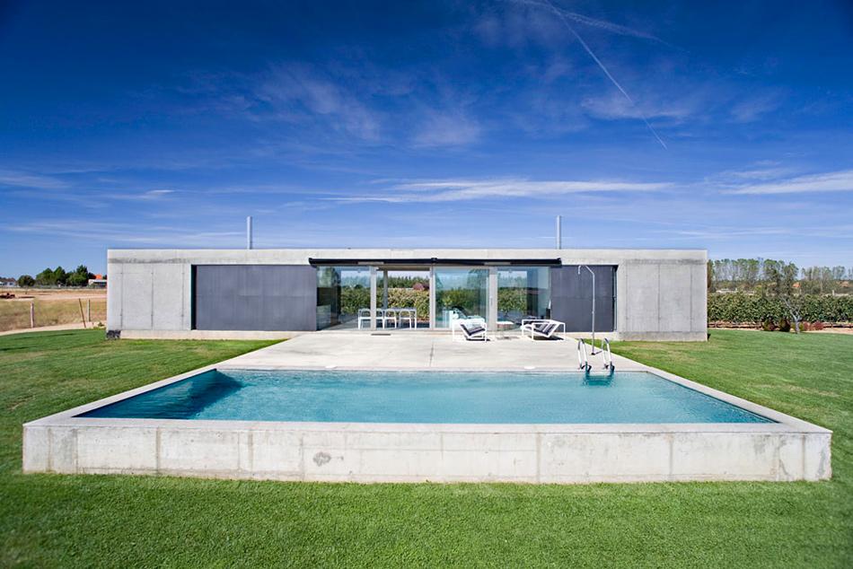 Quai est architecture une maison de campagne en espagne for Architecture maison de campagne