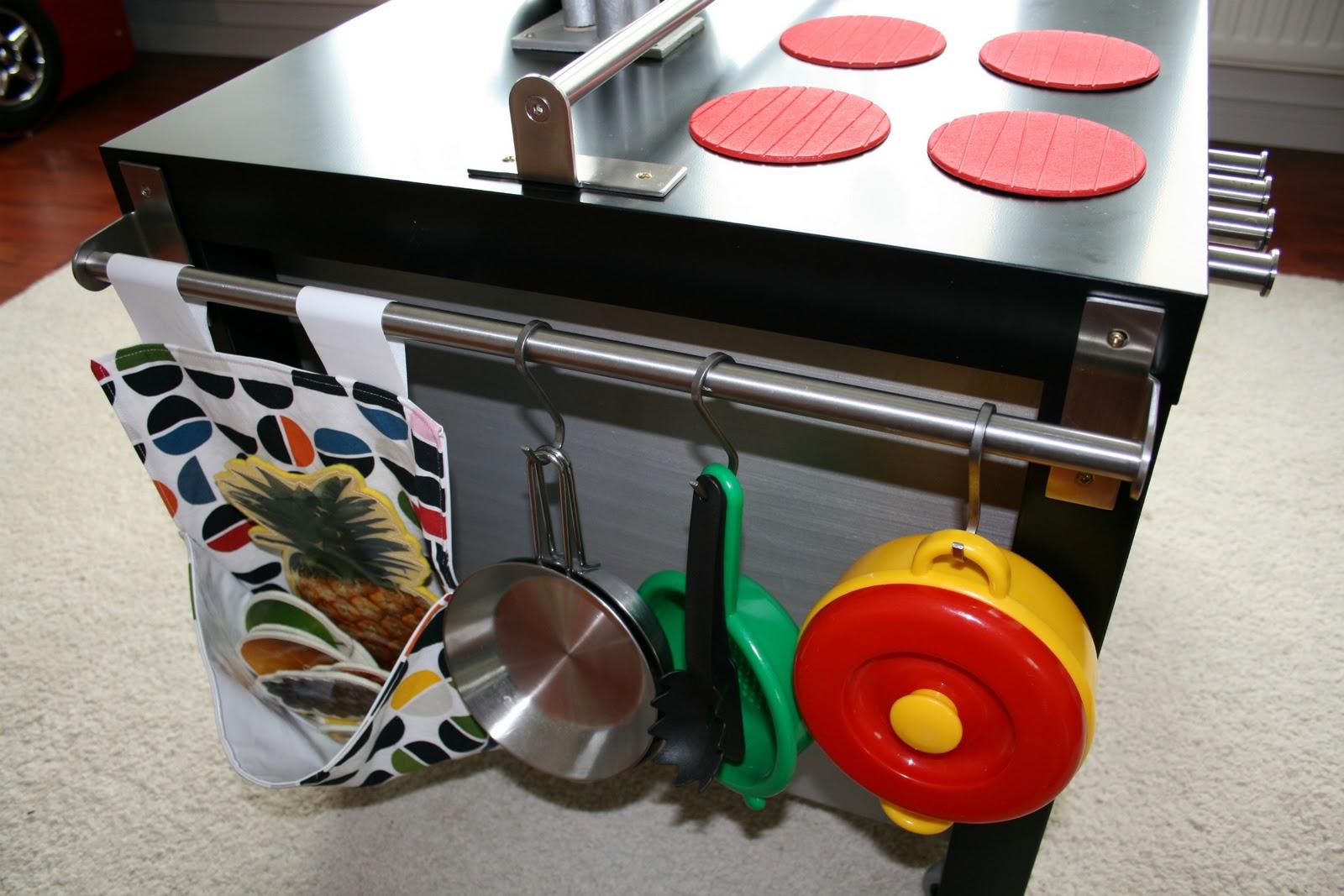 augusthimmel diy kinderk che la ck cuisine. Black Bedroom Furniture Sets. Home Design Ideas