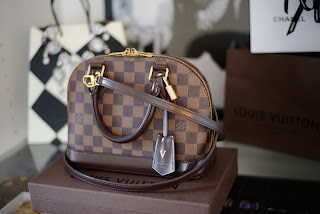 Louis Vuitton Alma BB Review