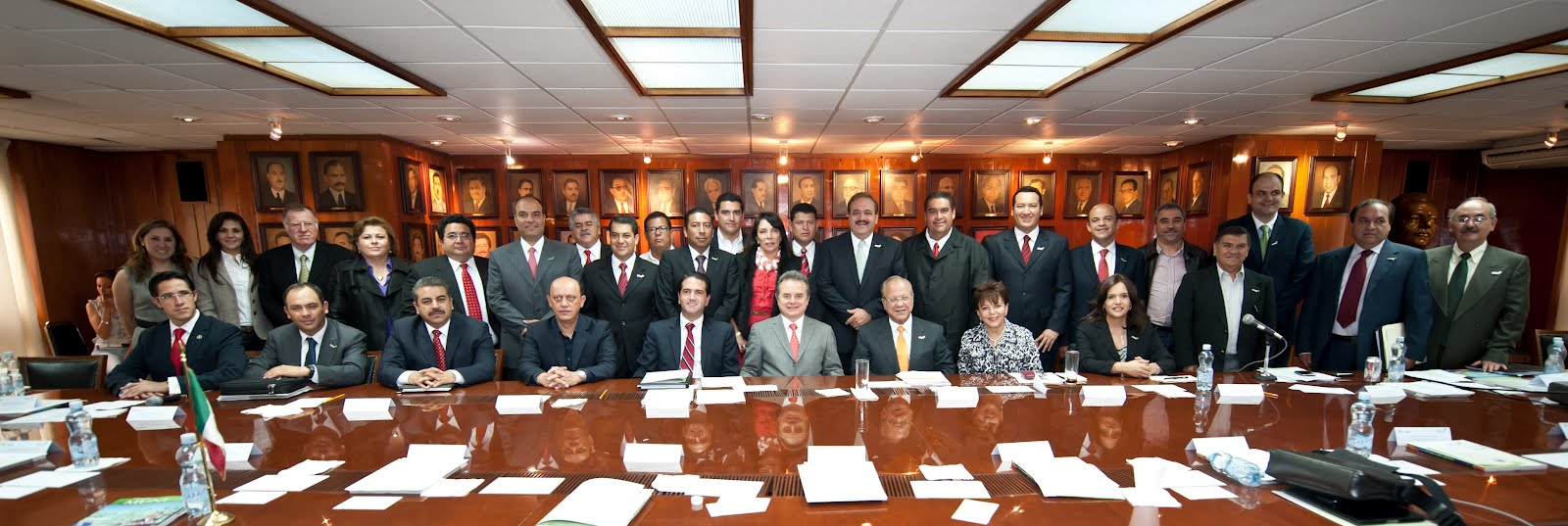 Semanario el independiente participa alcaldesa de la paz for Buro reunion