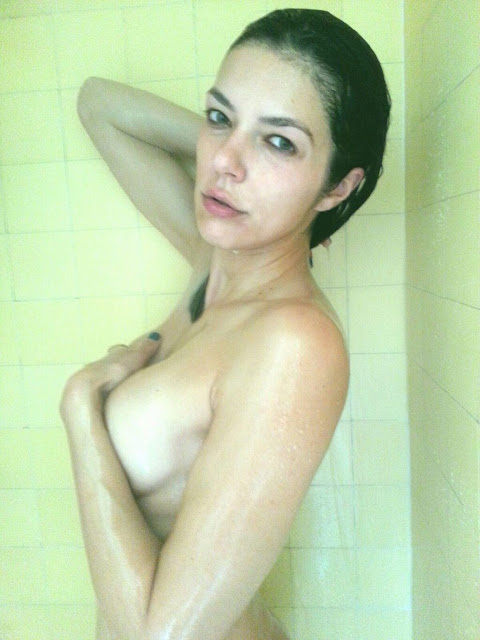 Adrianne Curry - 'Mostly Naked' in the Shower + Torrie Wilson - Twitter