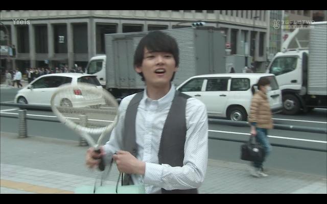 Naoki borrows a tennis racket to help assist Sudo Senpai.