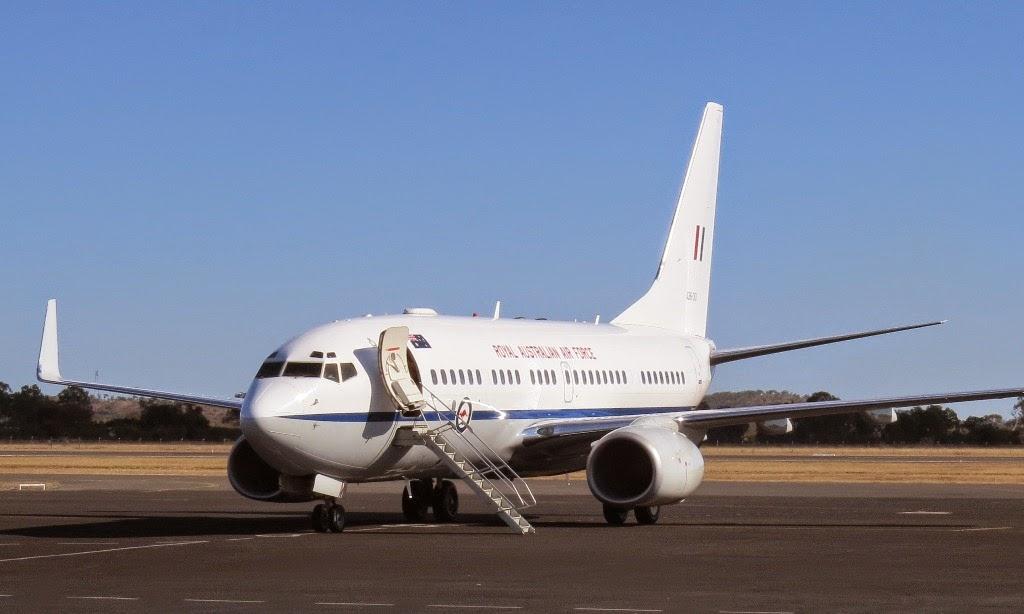 central queensland plane spotting raaf boeing b737 700. Black Bedroom Furniture Sets. Home Design Ideas