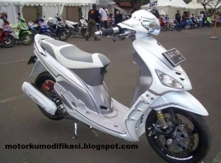 terbaru modifikasi motor mio warna putih