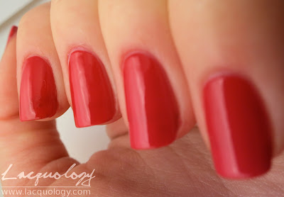 essie she's pampered swatch