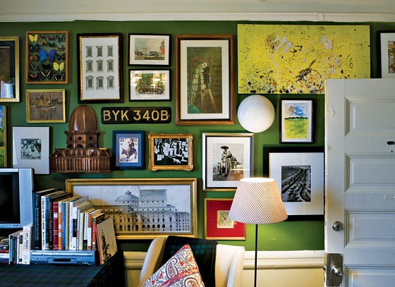 Dishfunctional Designs Create An Eclectic Gallery Wall! ~ 172350_Dorm Room Decorate Walls