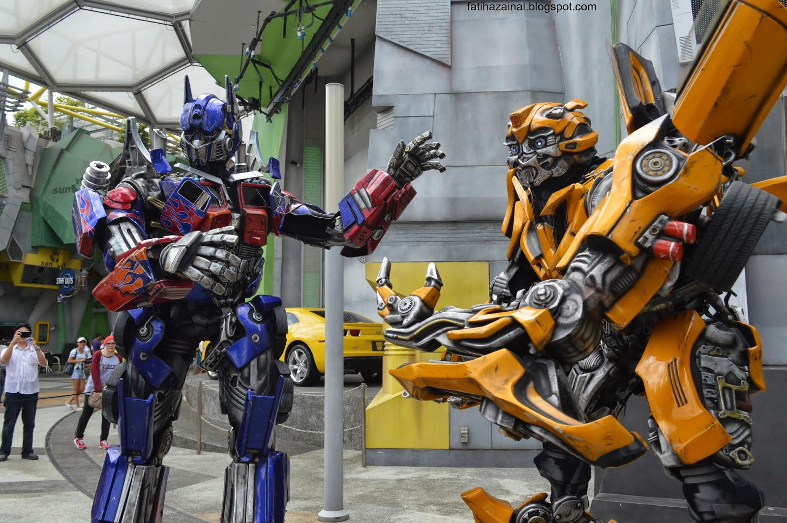 sci-fi city , universal studio singapore , optimus prime , bumblebee