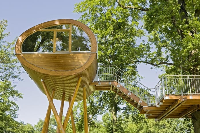 Sujith spot most amazing tree houses around the world for Most amazing houses