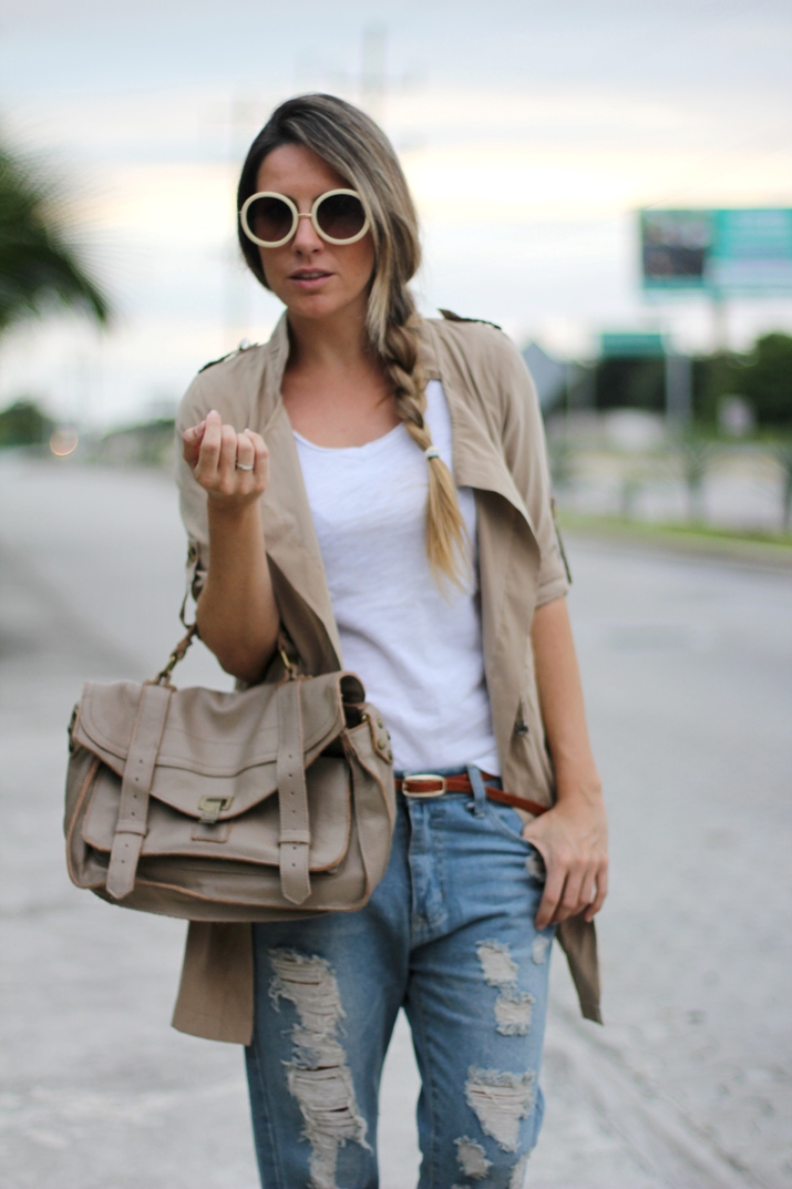 Beige trench by fashion blogger Mónica Sors