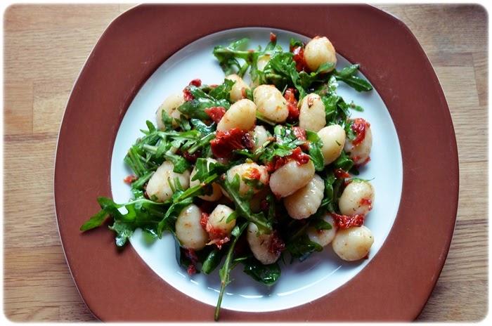 schnelle Küche: Gnocchi-Rucola-Salat - unbedingt ...