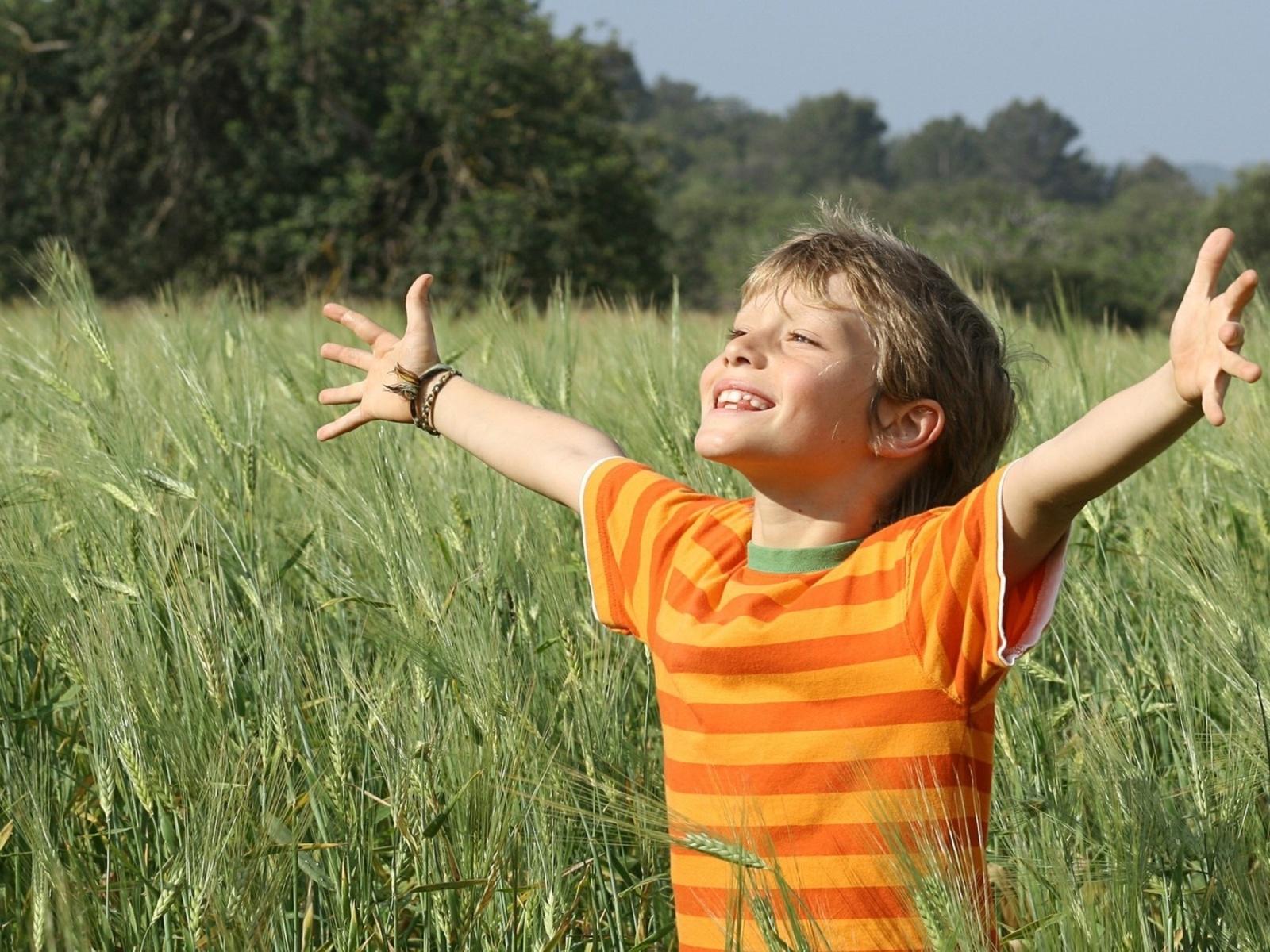 Fotos de niños alegre en el campo ~ Mejores Fotos del Mundo ...