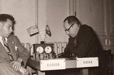 Partida de ajedrez Arthur B. Bisguier - Àngel Ribera en Barcelona en 1953