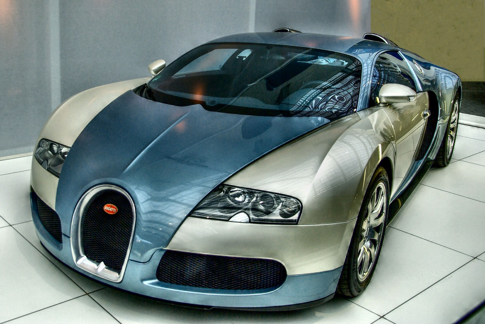 bugatti veyron w16 engine price the luxuriest moment top 10 most expensive cars in the world 1. Black Bedroom Furniture Sets. Home Design Ideas