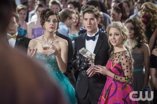 Carrie diaries season 2 blue dress controversy