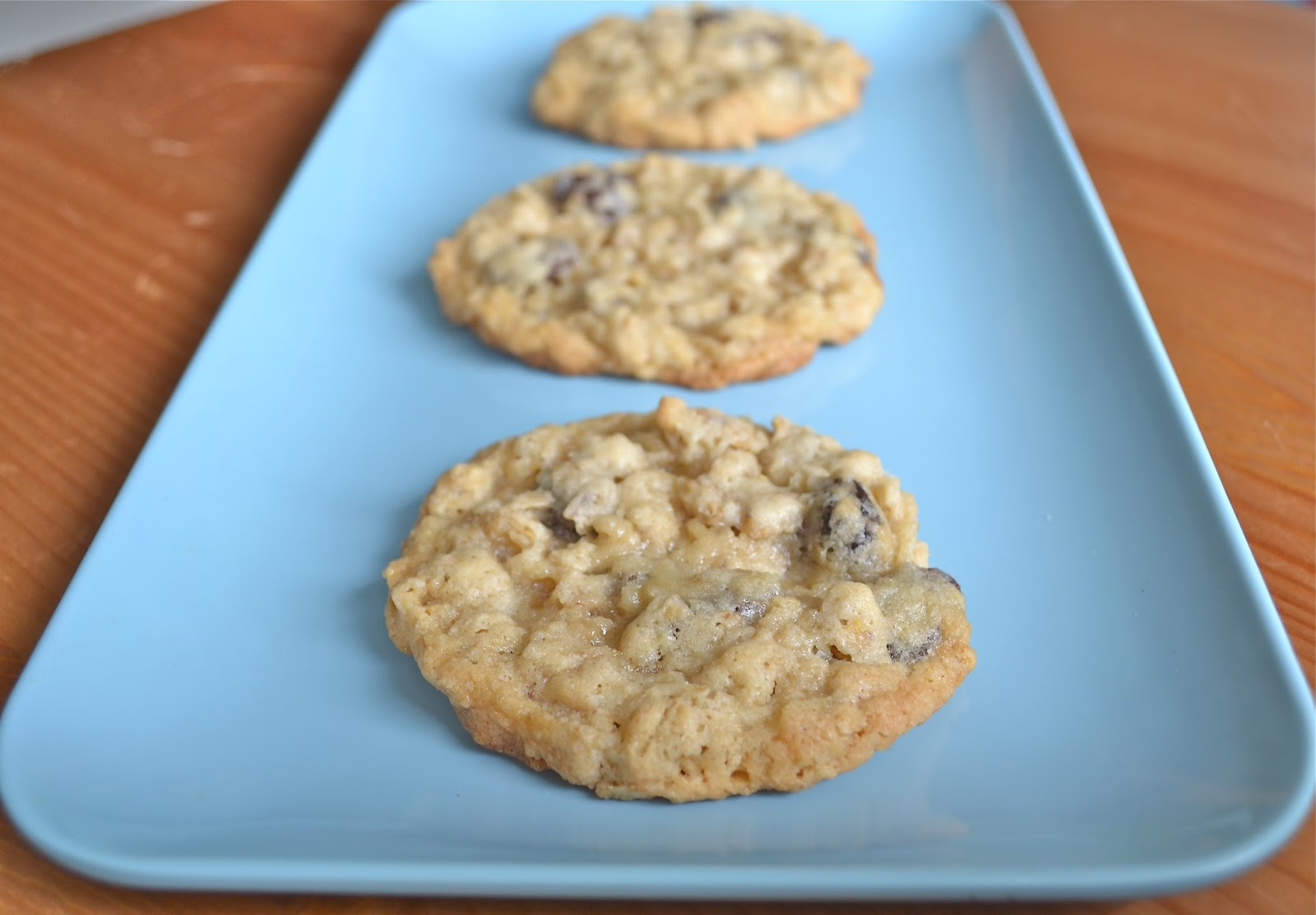 Holly B Baking : Chewy Oatmeal Raisin Cookies