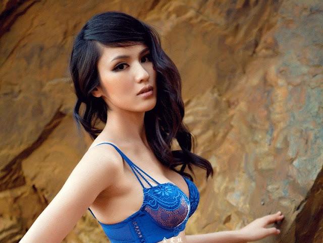 Yang Qian Qian in New Lingerie Collection