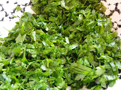 chopped parsley in a bowl