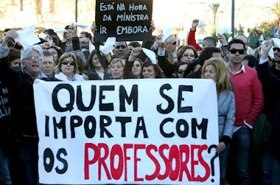 http://4.bp.blogspot.com/-0iuccA0f_5s/T7vTqUVZvHI/AAAAAAAAKWI/0dpok7uWdag/s1600/professores-faro1.jpg