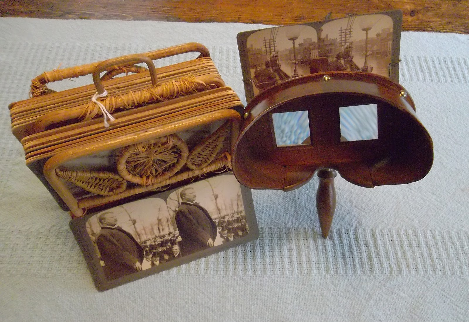 It Was This Version Of The Stereoscope That Minnie Received As A Birthday And Christmas Gift In 1897
