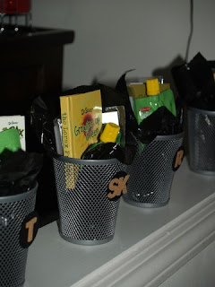 garbage can favors from lauralooloo.blogspot.com