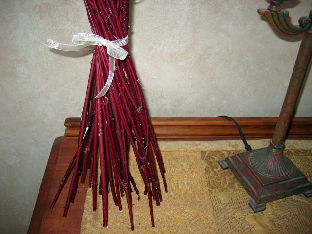 spring hand tied arrangement