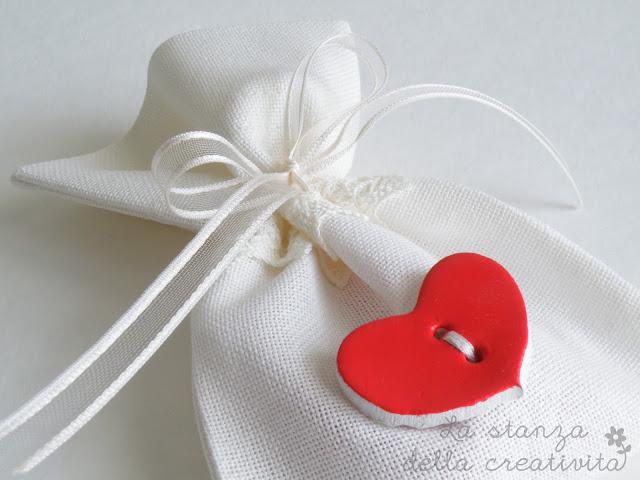 Bomboniere di Laurea con cuore rosso